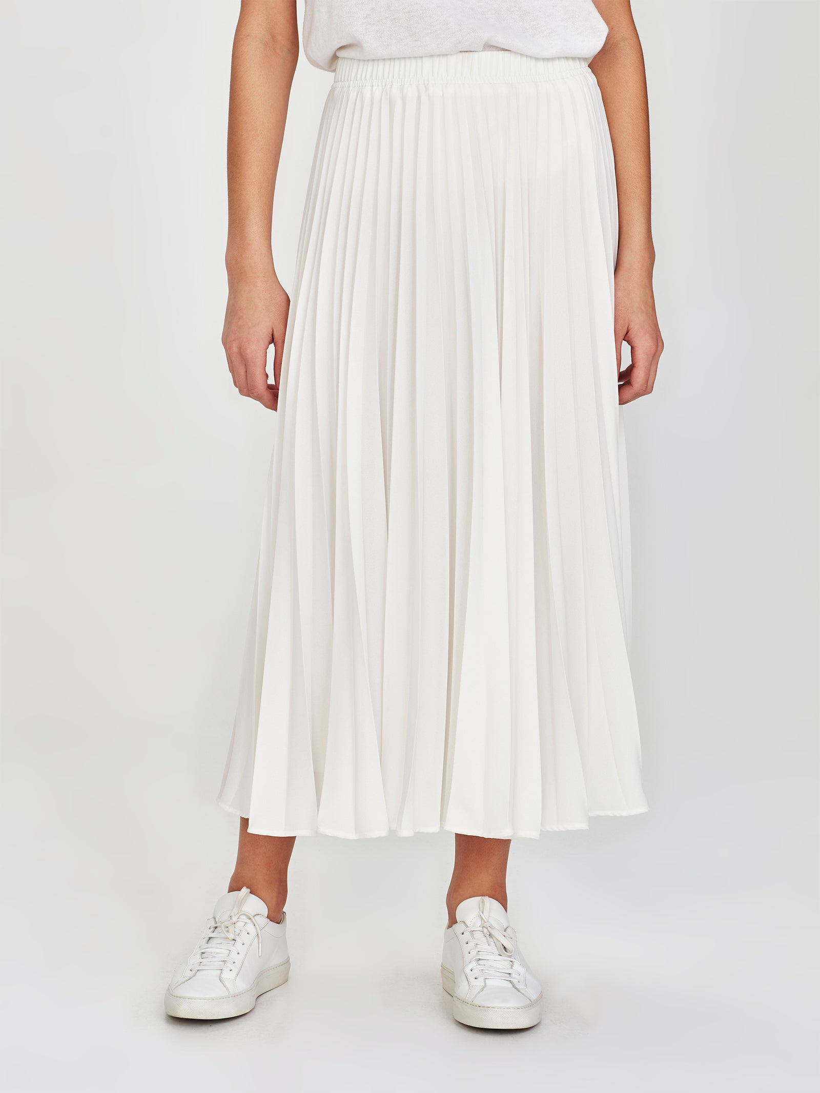 Alpha Pleat Skirt (Matte Pleat) White