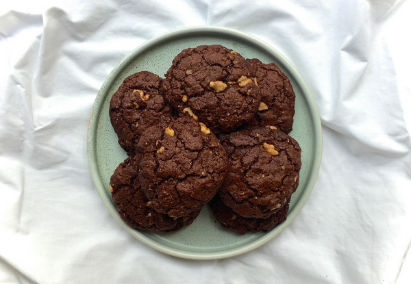 Choc Walnut & Goji Brownie Biscuits