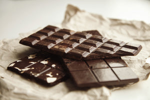The Ultimate Guide to Chocolate: What to look for in a good bar + 7 healthy alternatives