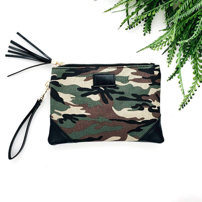Corner Detail Wristlet - The Salty Mare