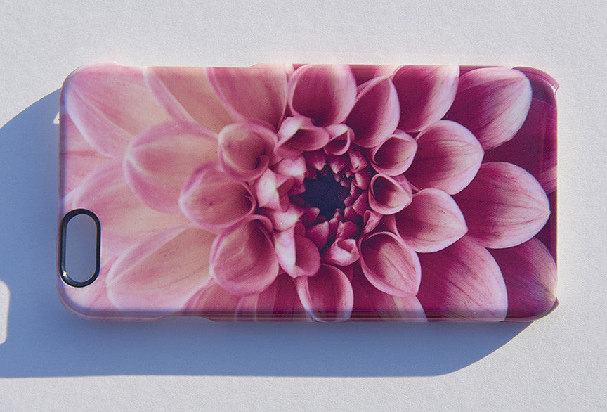 'Retro Dahlia Pop' phone cover