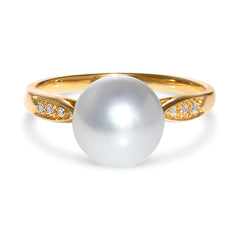 8-8.5mm Akoya Pearl and Diamond Ring