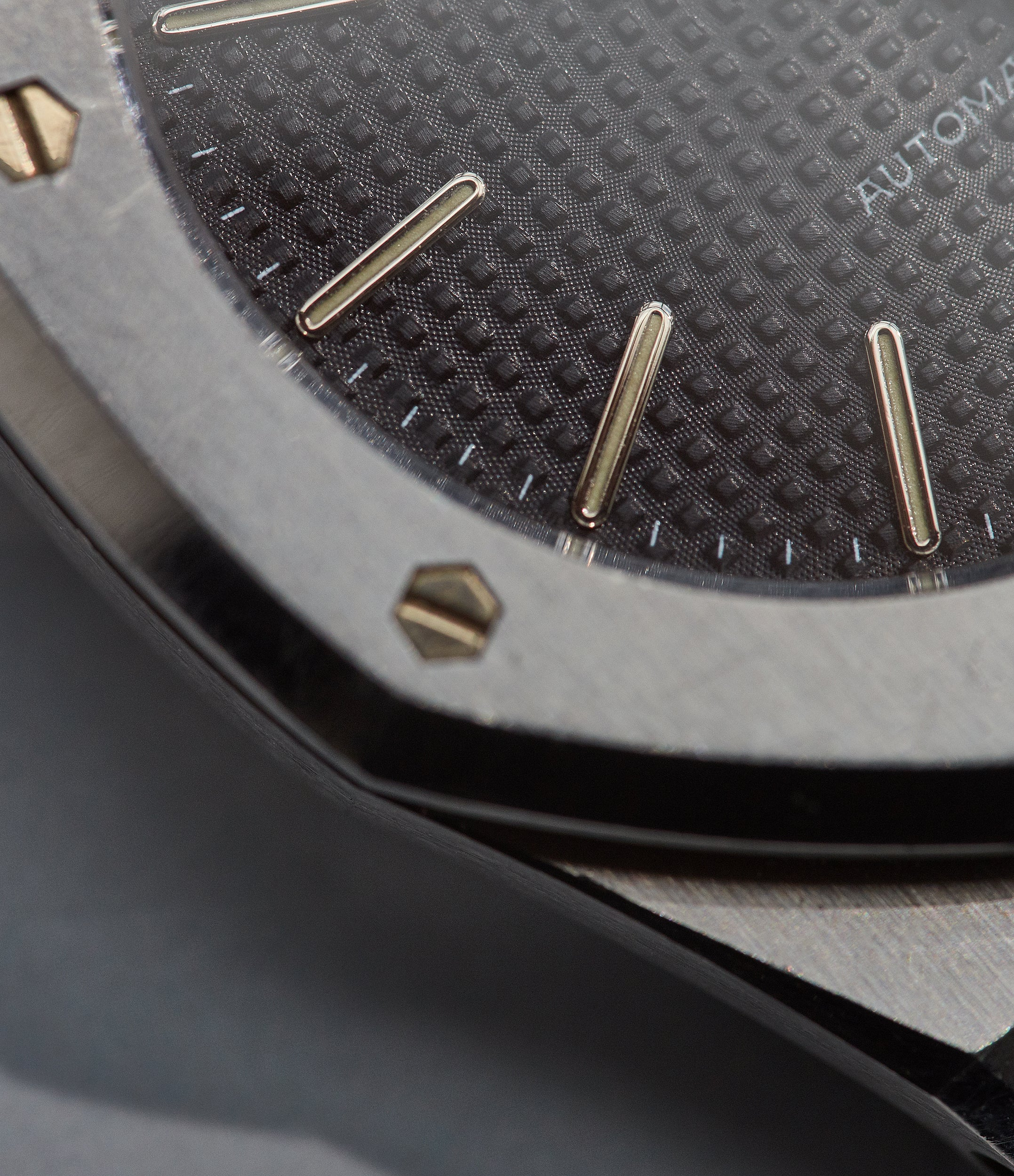 Audemars Piguet Royal Oak 14790 in stainless steel close up on the bezel screw for A Collected Man London