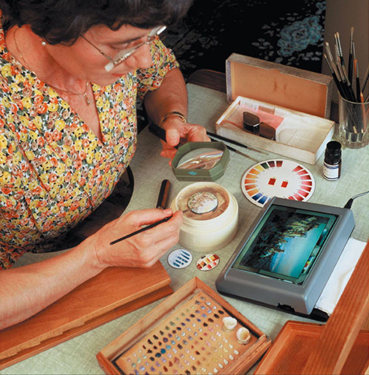 Suzanne Rohr painting in The Art of Enamel Dials for A Collected Man London