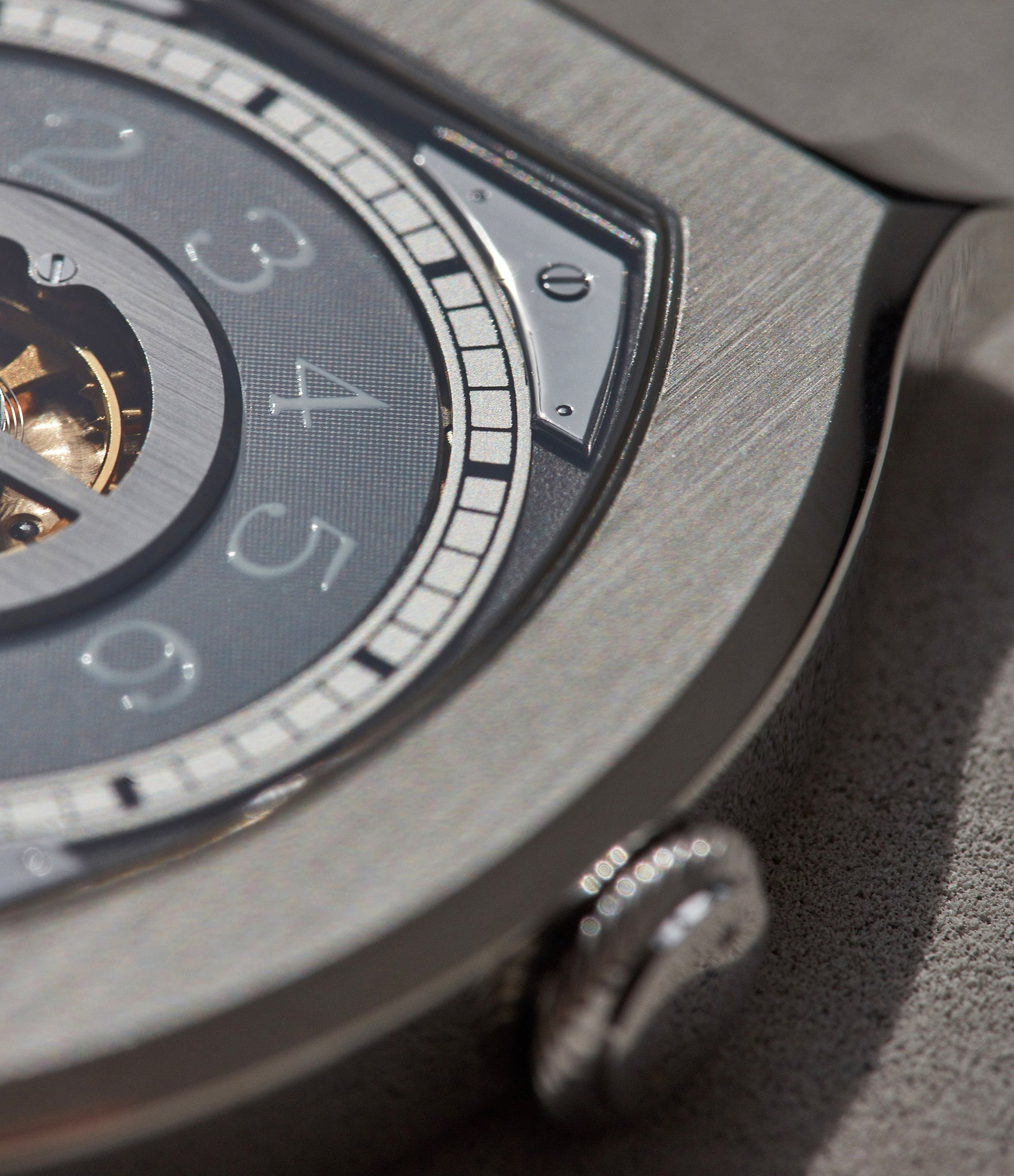 closer look at the Vagabondage I dial configuration.
