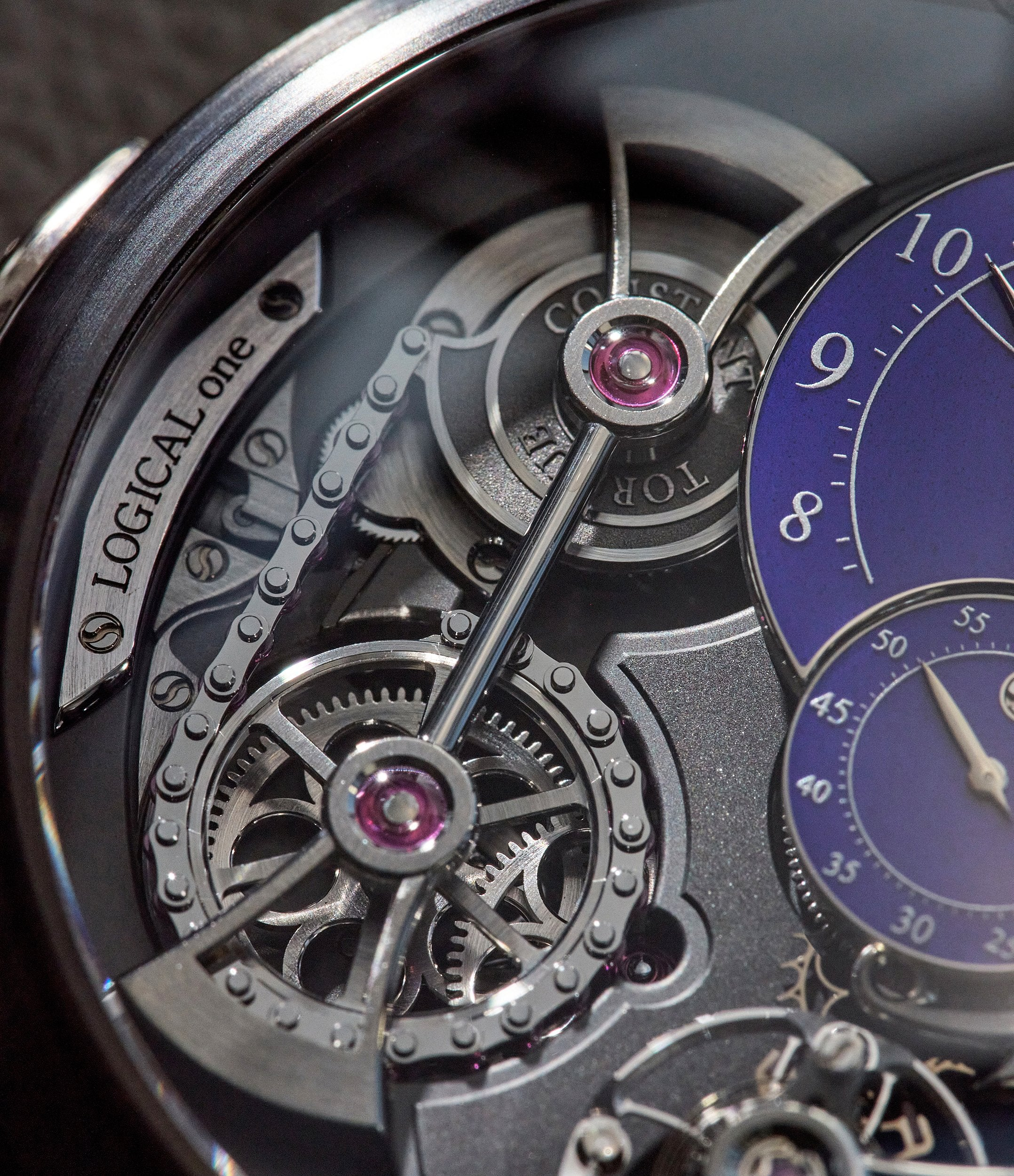 Romain Gauthier macro on fusee et chain in Chasing Accuracy in Mechanical Wristwatches for A Collected Man London
