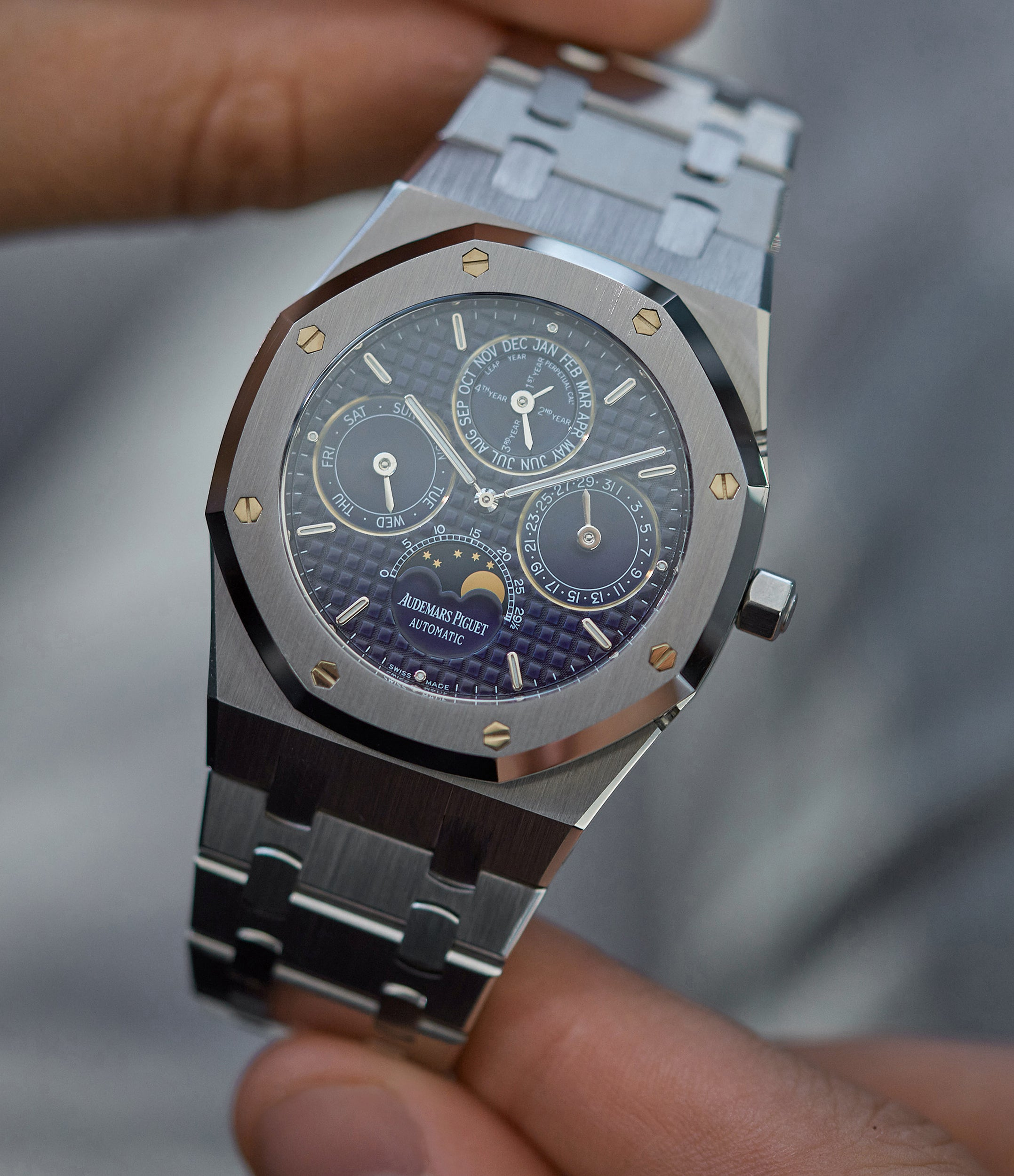 Royal Oak |  25820ST perpetual calendar | steel