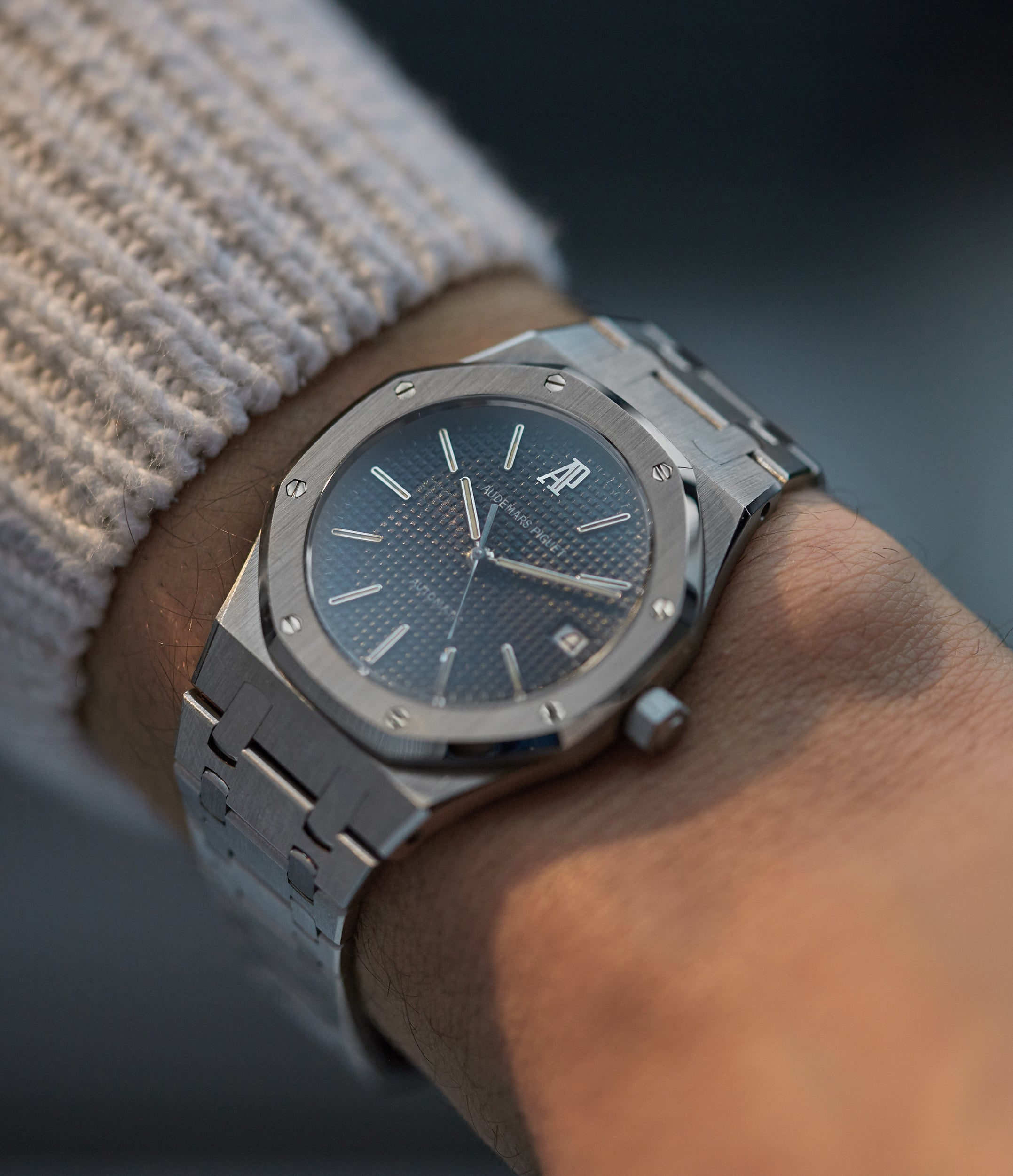 Royal Oak 14700 | steel