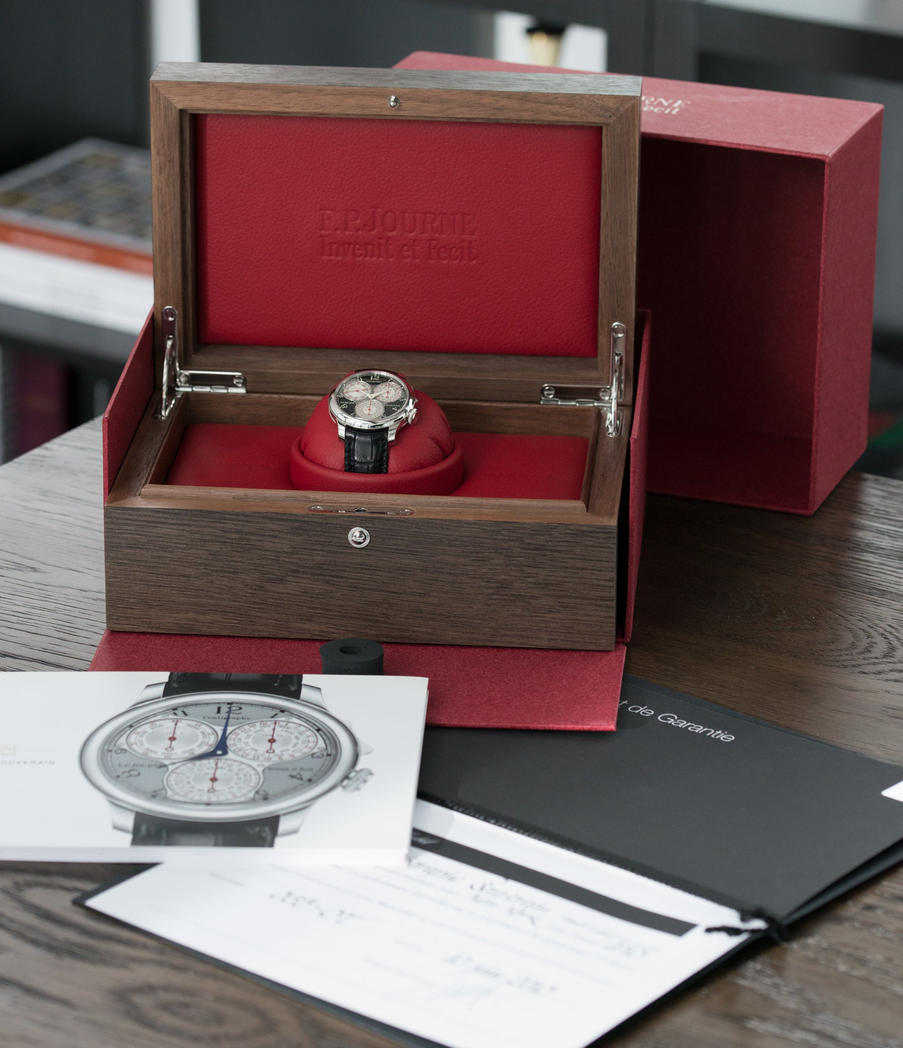 full set F. P. Journe Centigraphe Souverain Black Label 40 mm platinum pre-owned rare watch for sale online at A Collected Man London approved retailer of independent watchmakers