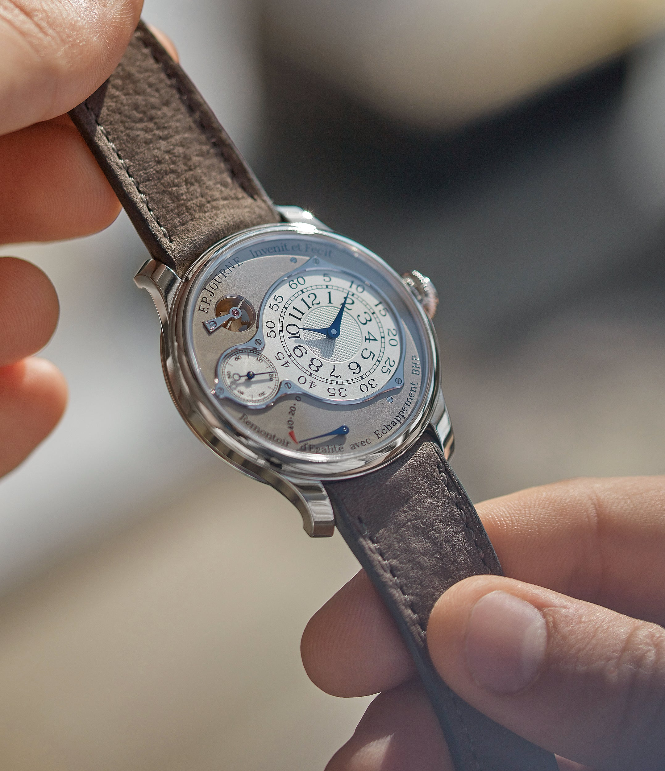 hands-on with F. P. Journe Chronometre Optimum grey dial time-only dress watch for sale online at A Collected Man London UK specilalist of independent watchmakers