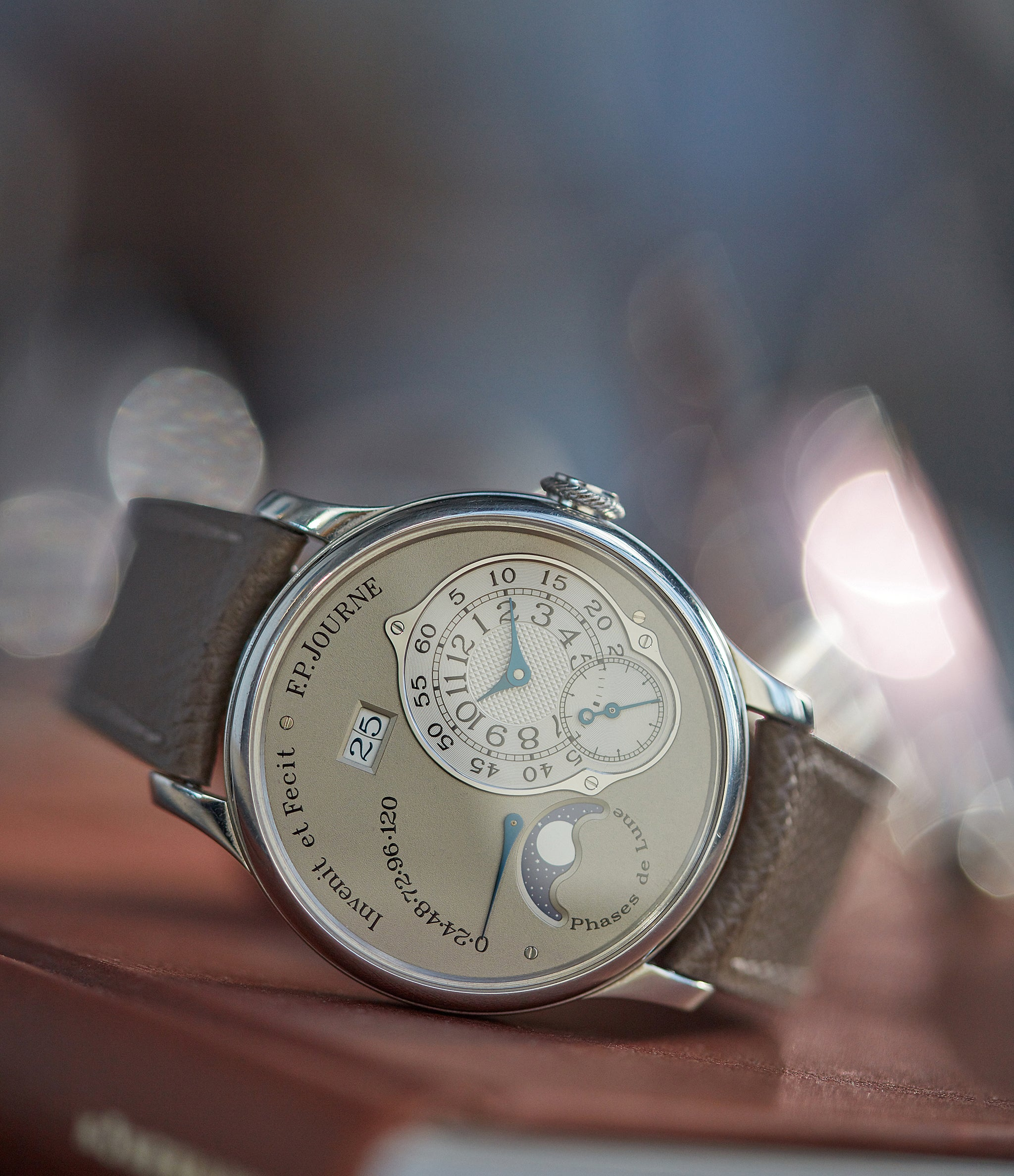 Octa Lune 38mm | Platinum