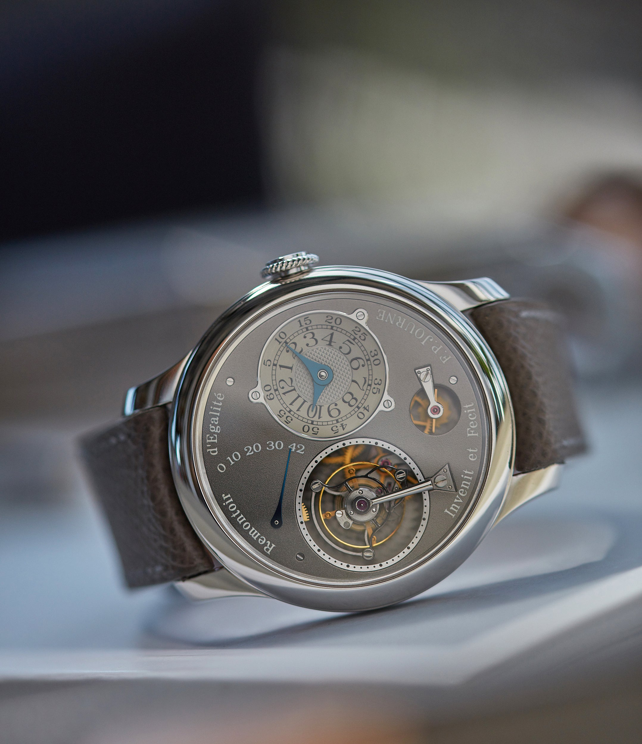 Tourbillon Remontoir | Ruthenium dial | 40mm platinum