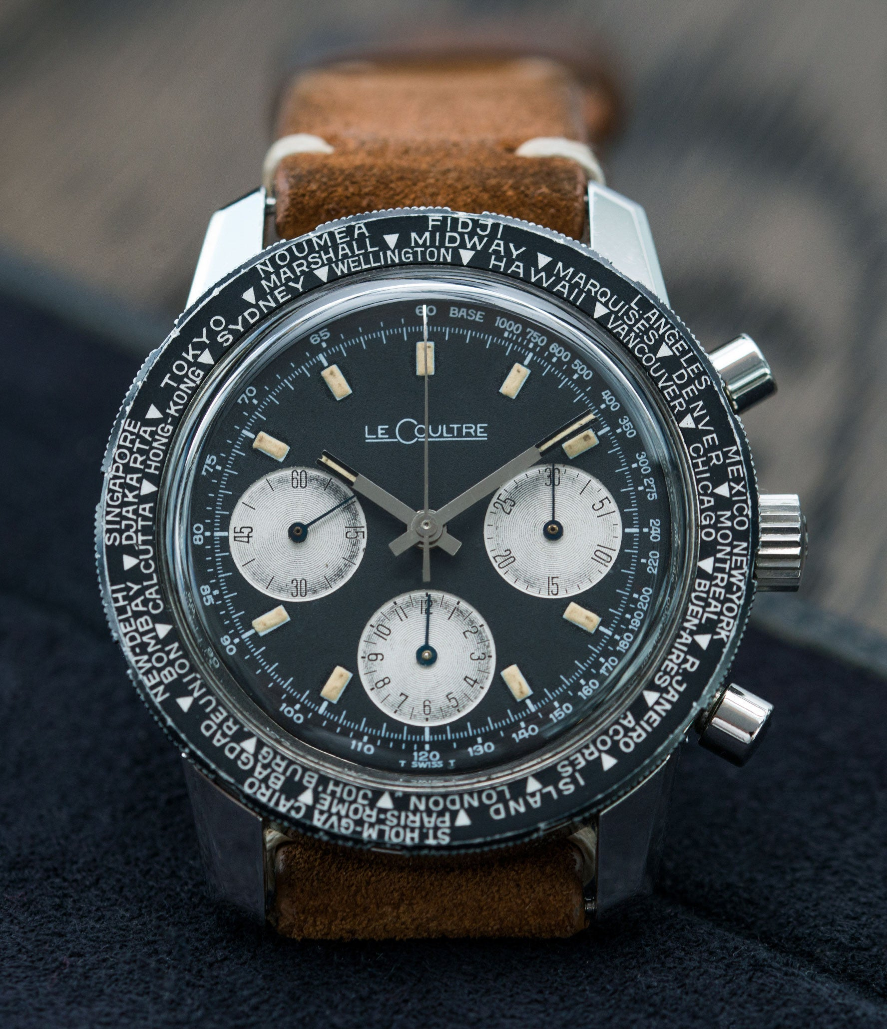 buy vinatage LeCoultre Deep Sea Shark E2643 steel chronograph online at A Collected Man London vintage watch specialist