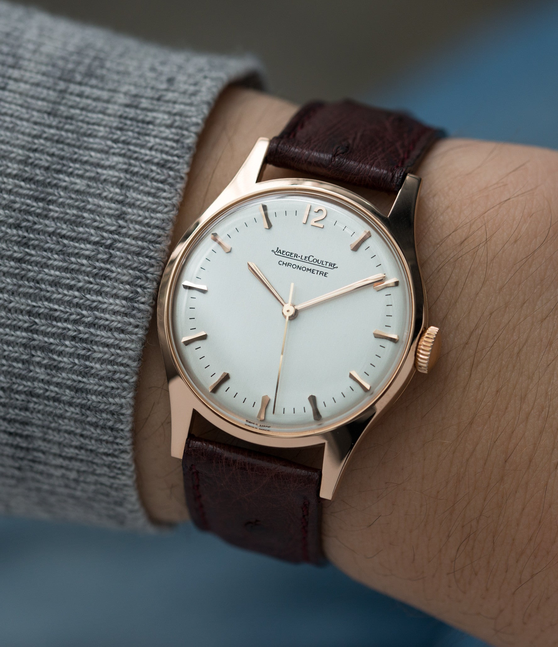 on the wrist Jaeger-LeCoultre Geophysic Luxe 2985 rose gold rare vintage watch online for sale at A Collected Man London