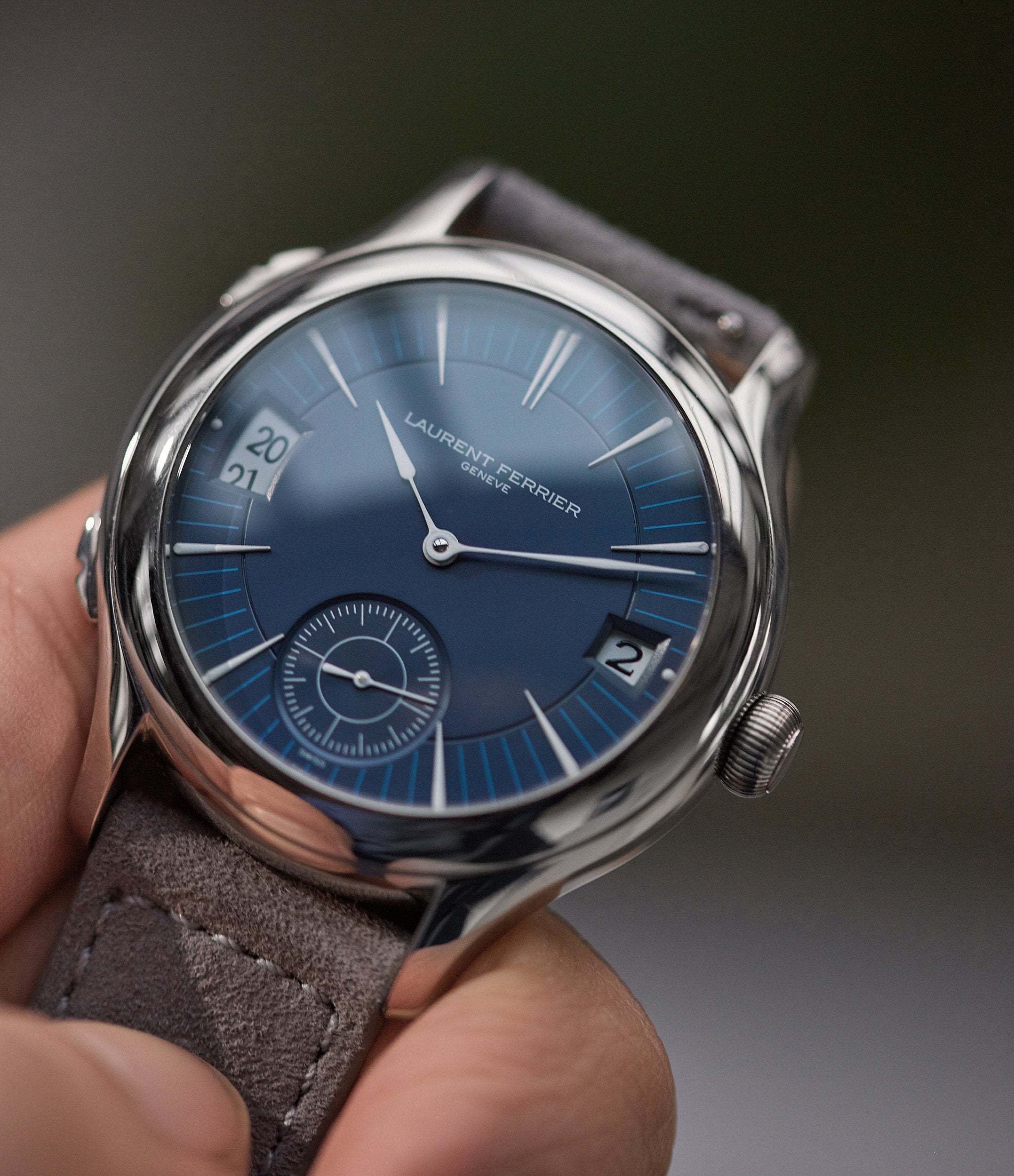 hands-on with Laurent Ferrier Galet Traveller Micro-rotor blue dial pre-owned watch for sale online A Collected Man London UK specialist independent watchmakers