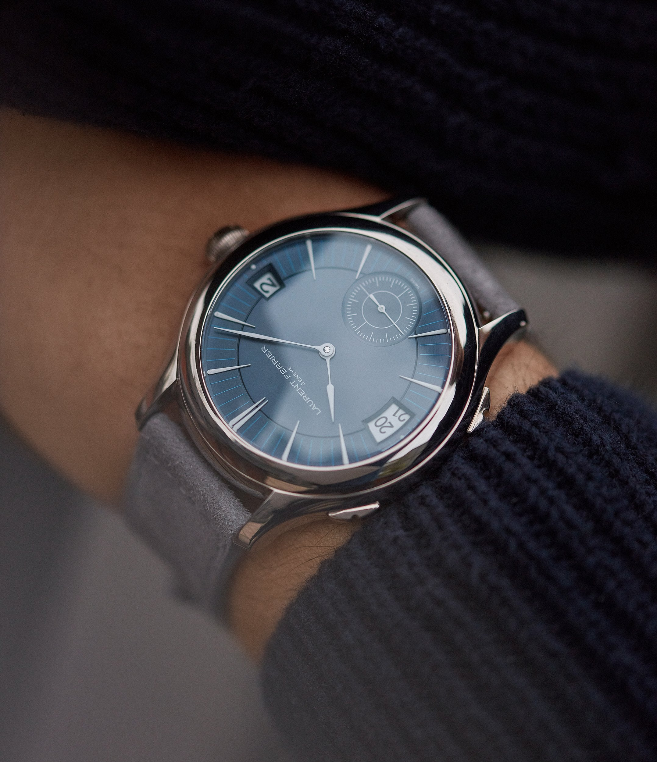 sell on consignment Laurent Ferrier Galet Traveller Micro-rotor blue dial pre-owned watch for sale online A Collected Man London UK specialist independent watchmakers