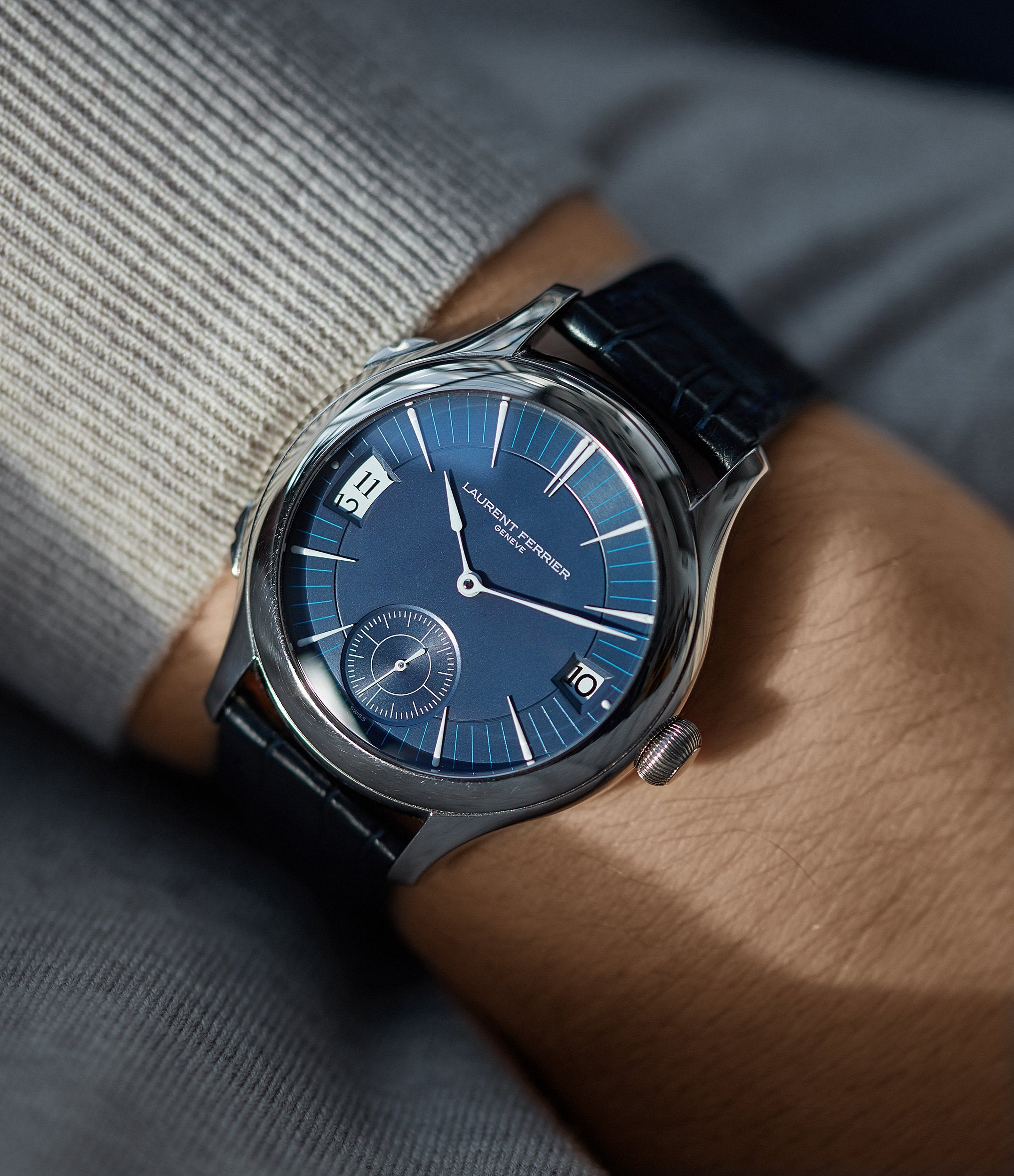 independent Swiss watchmaker Laurent Ferrier Galet Traveller Micro-rotor blue dial pre-owned watch for sale online A Collected Man London UK specialist independent watchmakers