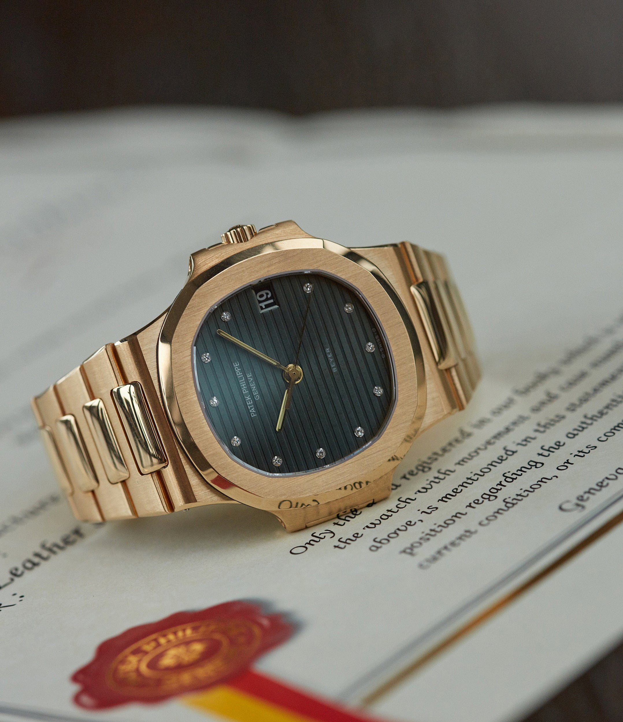 Nautilus 3800 | yellow gold