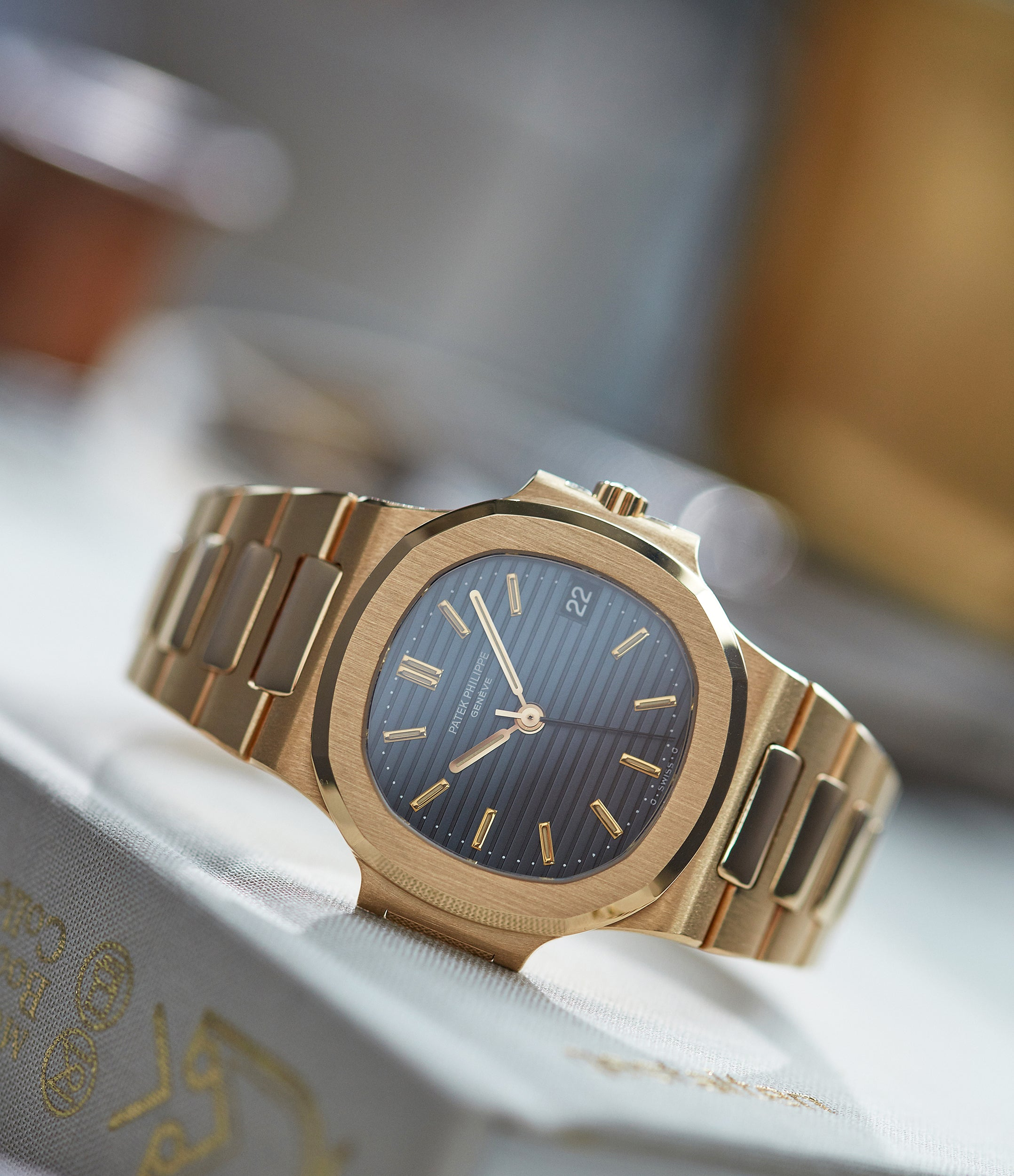 Nautilus Ref. 3800 | yellow gold