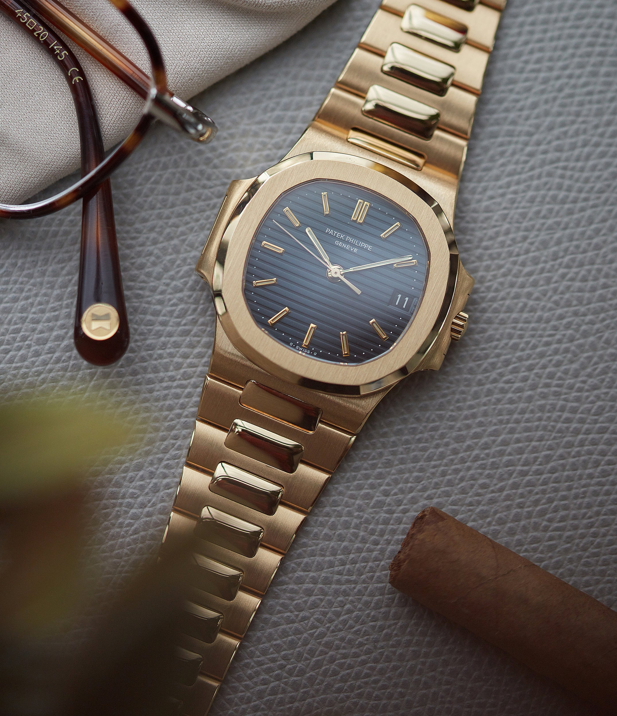 buy mechanical automatic Patek Philippe Nautilus 3800-001