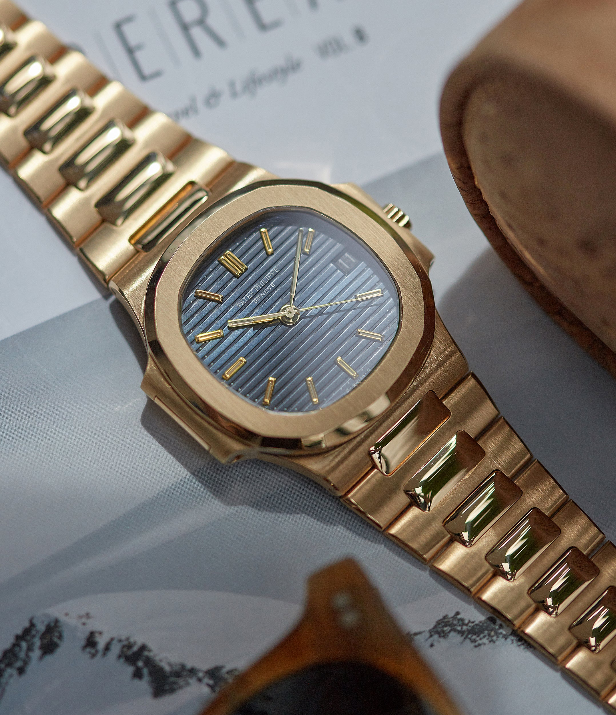 shop Cal. 335 SC Patek Philippe Nautilus 3800-001 yellow gold