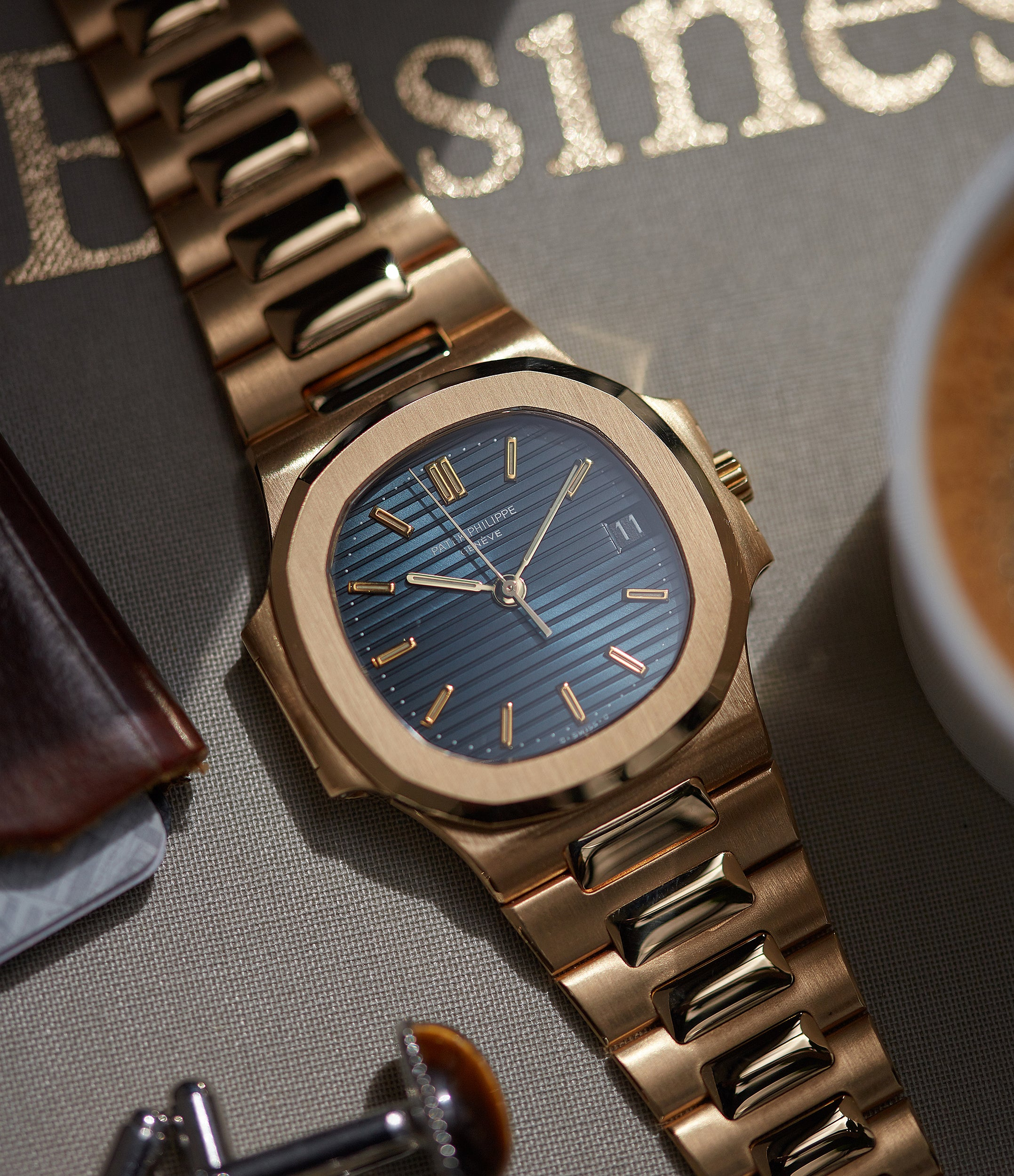 men's watch Buy Patek Philippe Nautilus 3800-001 yellow gold