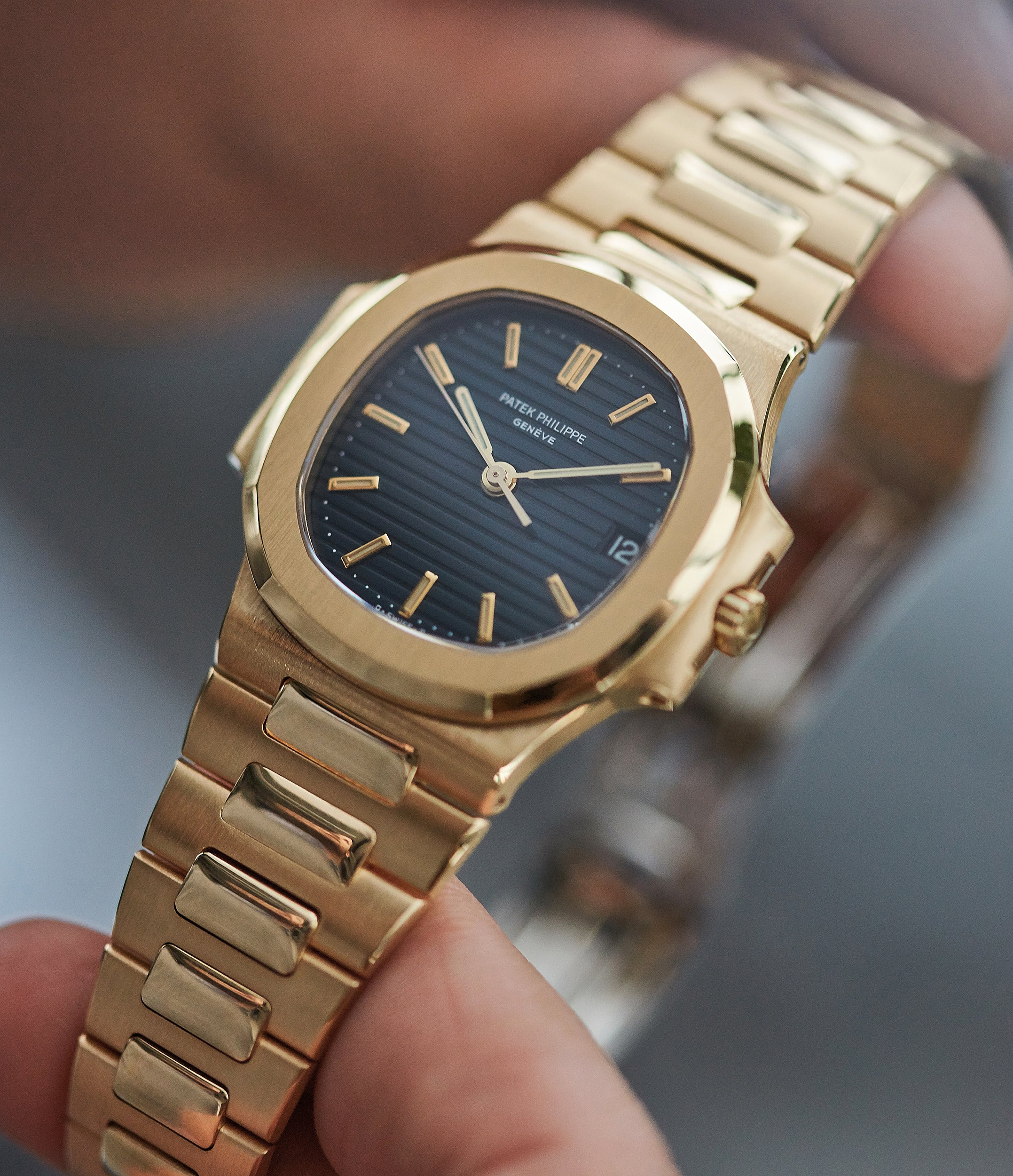 Buy dark blue dial Patek Philippe Nautilus 3800-001 yellow gold