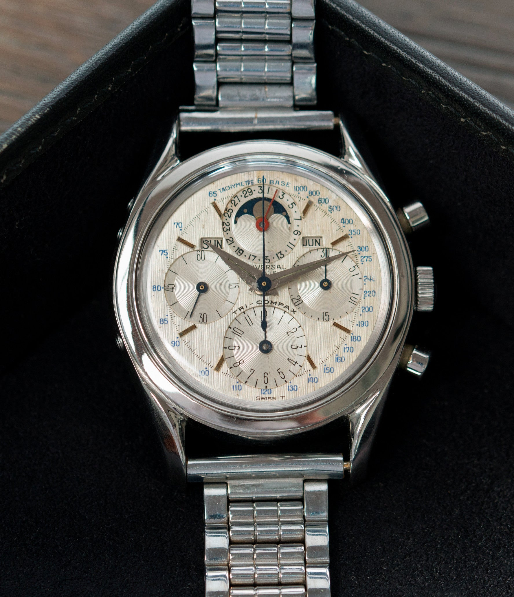 moonphase Universal Geneve 222100/2 Tri-Compax Triple Calendar Moonphase steel chronograph watch for sale online at A Collected Man London rare vintage watch specialist
