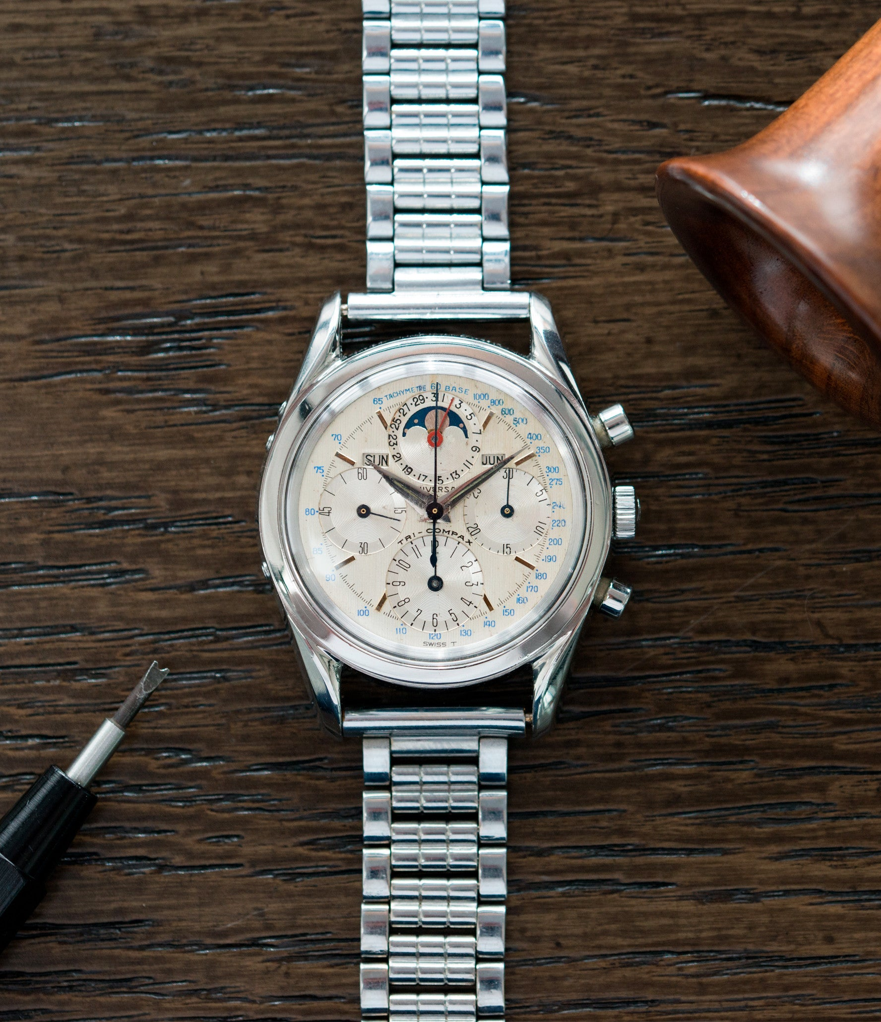 vintage dress watch Universal Geneve 222100/2 Tri-Compax Triple Calendar Moonphase steel chronograph watch for sale online at A Collected Man London rare vintage watch specialist