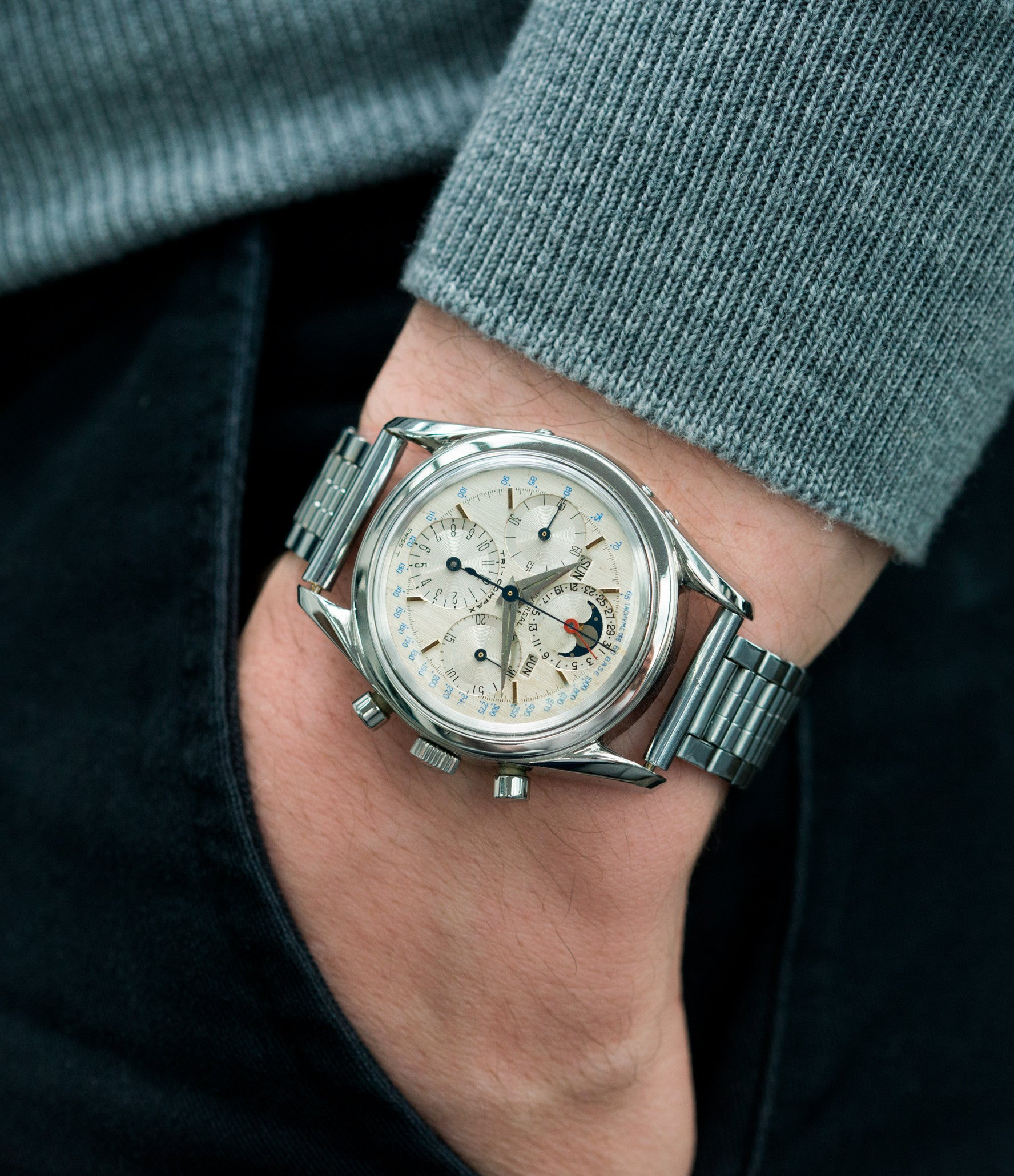 vintage wristwatch Universal Geneve 222100/2 Tri-Compax Triple Calendar Moonphase steel chronograph watch for sale online at A Collected Man London rare vintage watch specialist