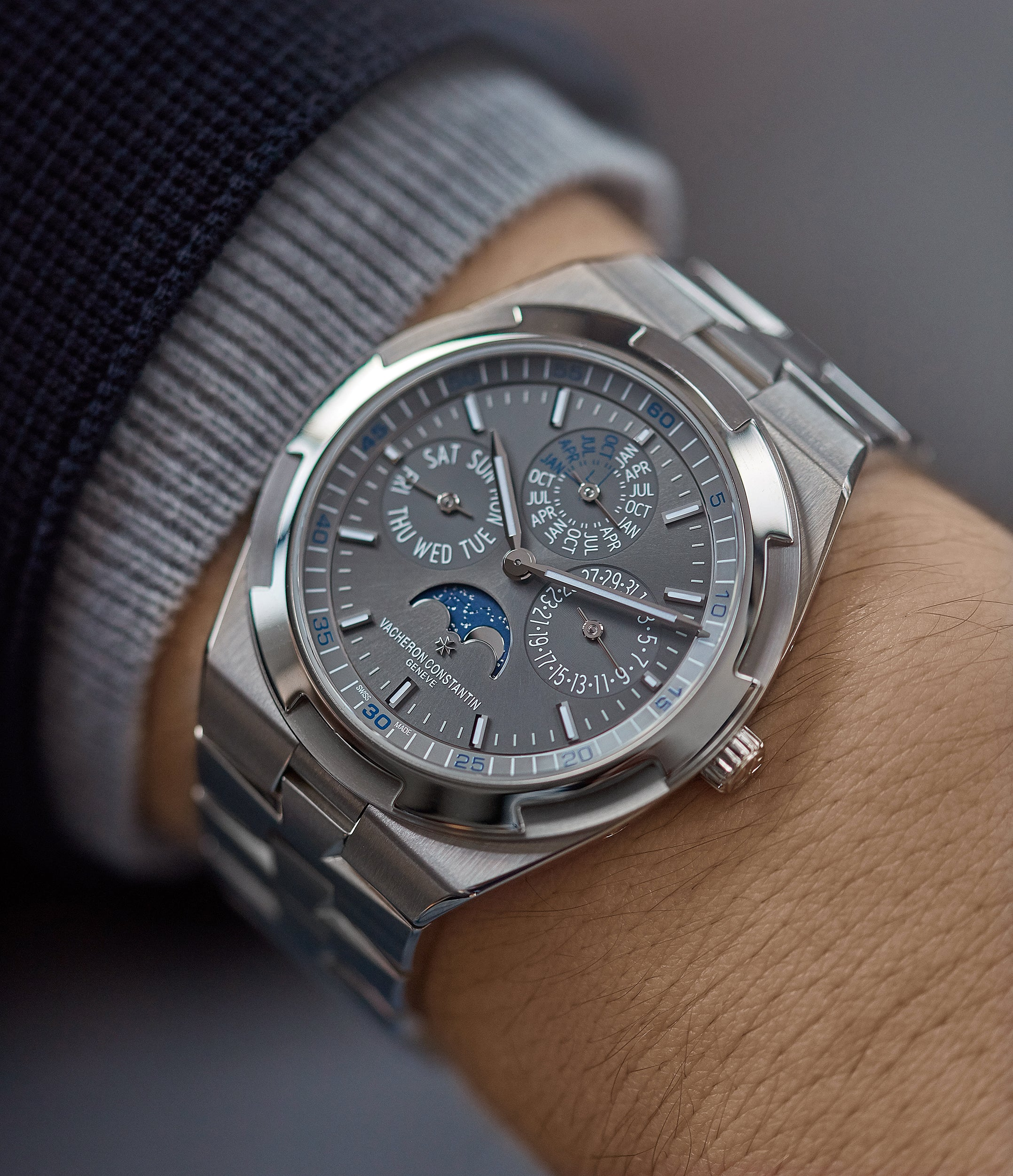 Overseas Perpetual Calendar | Ultra Thin | white gold