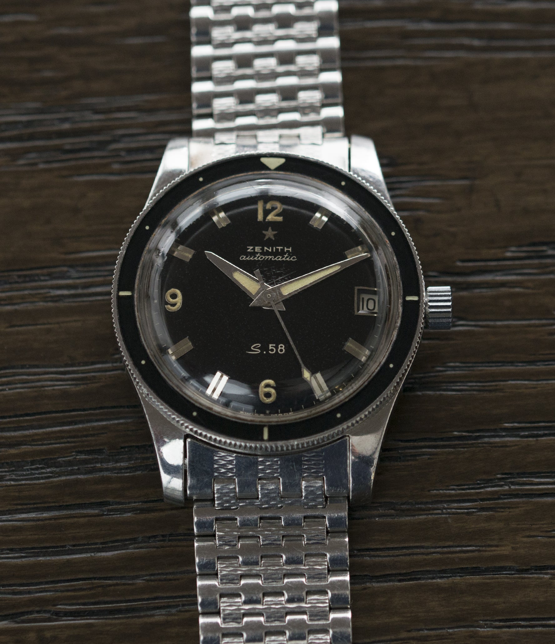 vintage diving watch S.58 Zenith Cal 2542 PC vintage steel divers watch bakelite bezel for sale online at A Collected Man London UK specialist rare vintage watches