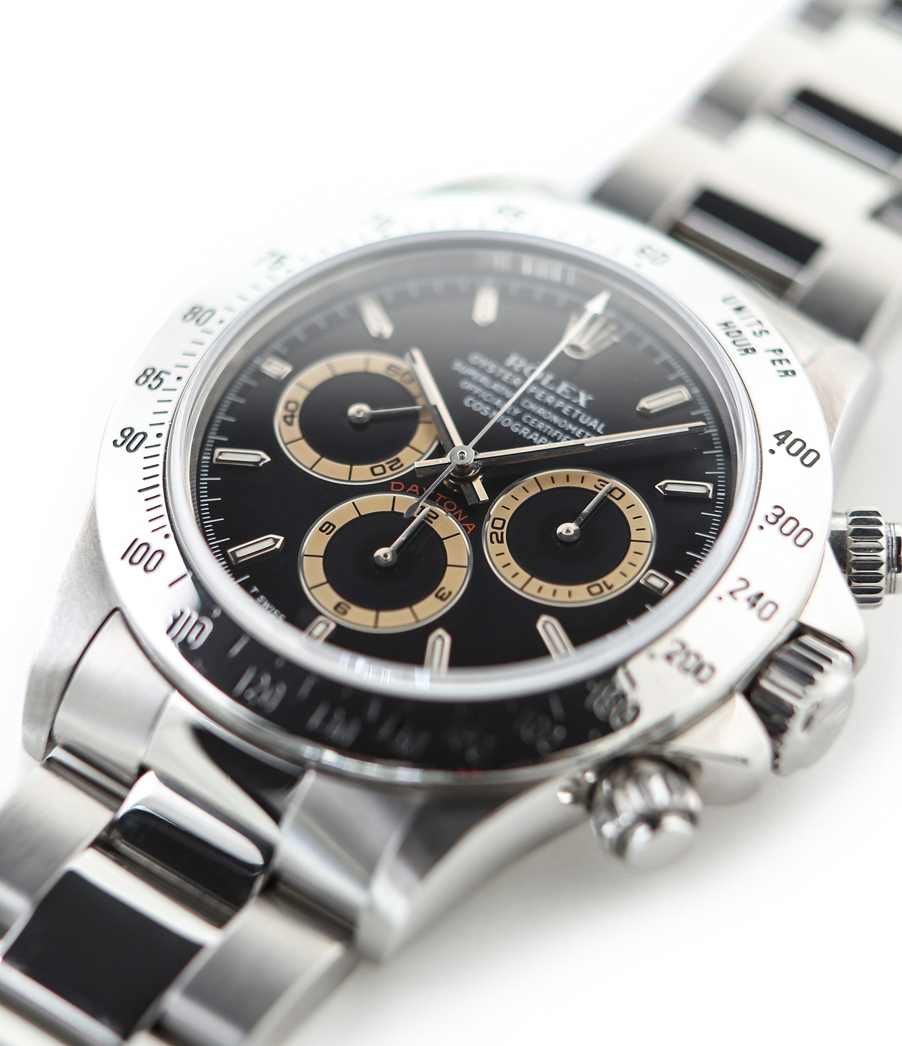 buy Rolex Cosmograph Daytona with Patrizzi dial 16520 stainless steel automatic Cal. 4030 authentic pre-owned luxury watch from 1995 with black dial and stainless steel Rolex bracelet with chronograph, chronometer, hours, minutes, sub-seconds