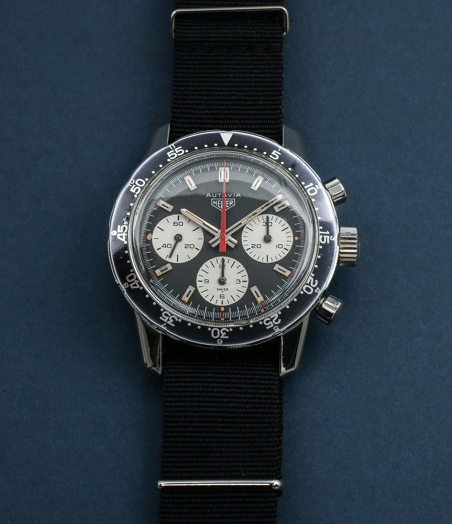 buy rare vintage Heuer 2446C red hand chronograph steel watch online at WATCH XCHANGE London unrestored dial