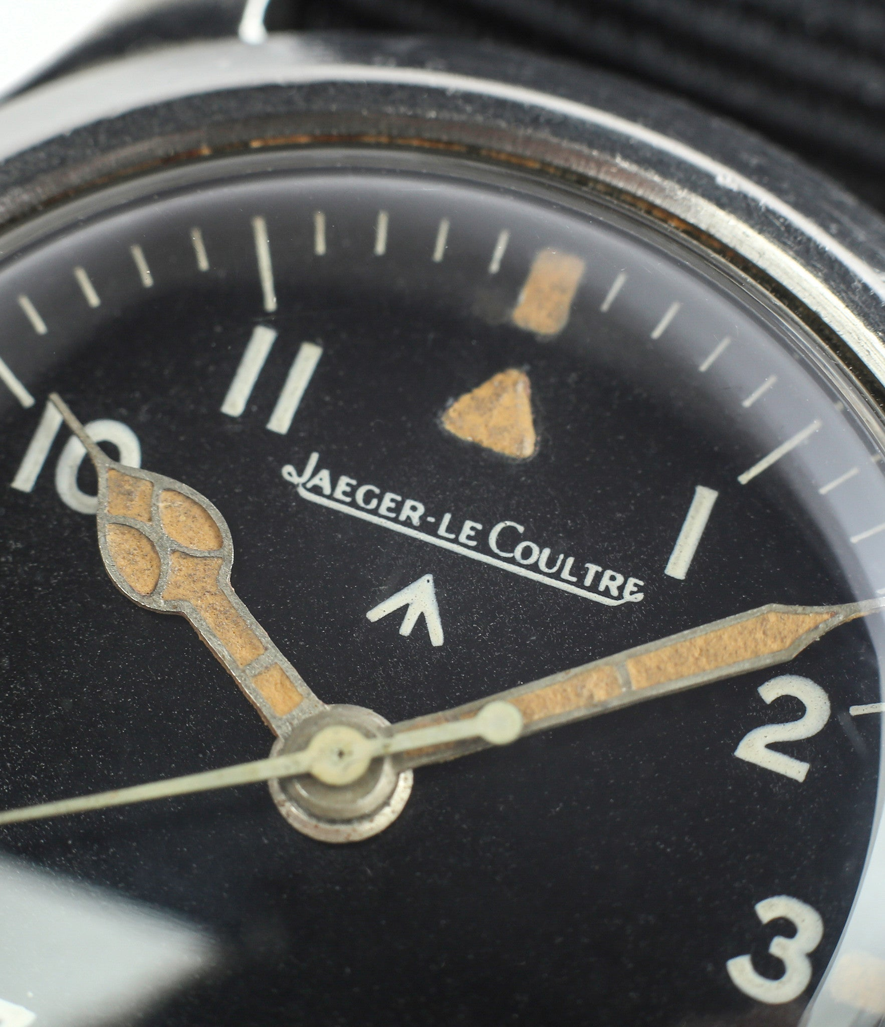 cathedral hands buy vintage Jaeger-LeCoultre Mark XI RAF military pilot watch 6B/346 unrestored dial cathedral hands at WATCH XCHANGE LONDON military watch online specialist