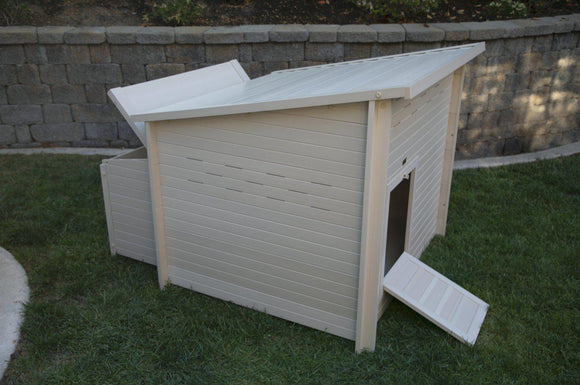 New Age Pet Jumbo Fontana Chicken Barn - Pet Pro Supply Co.