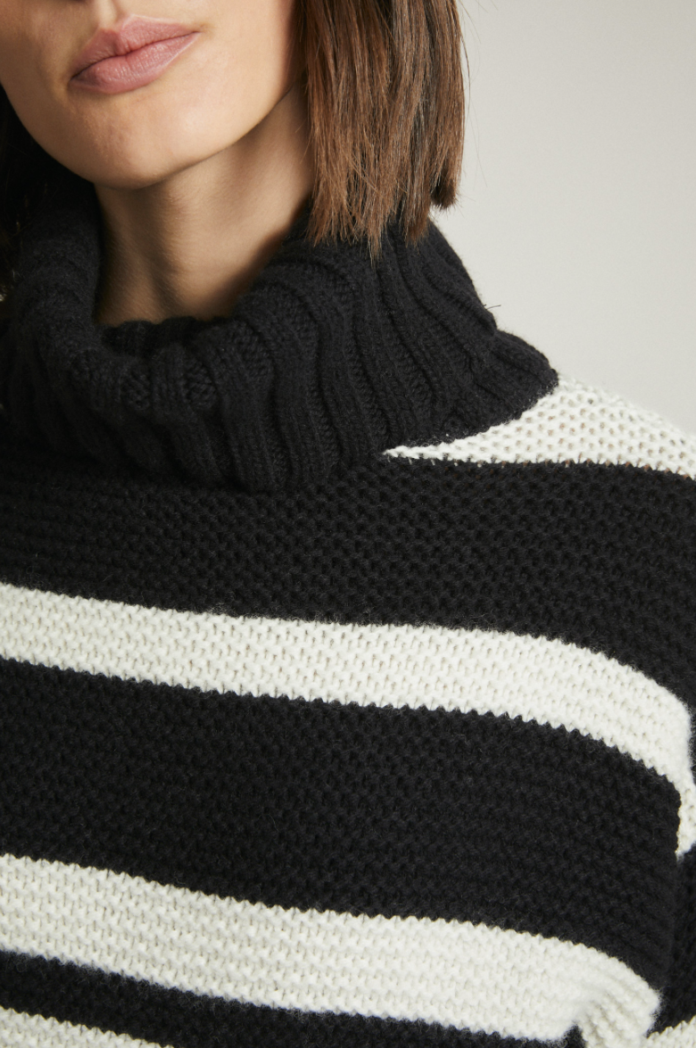 "Pullover ""cozy"" I natural / black"