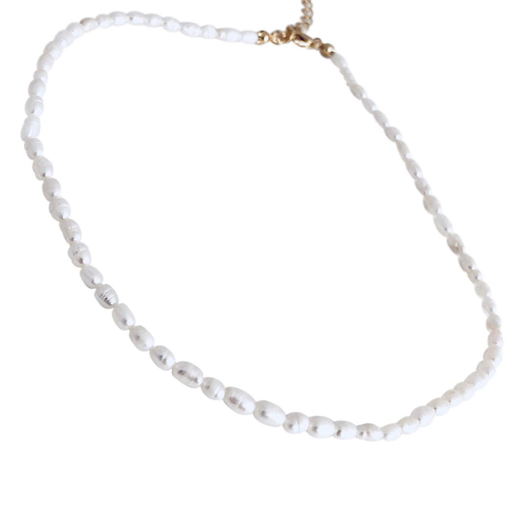 Fresh water pearl choker