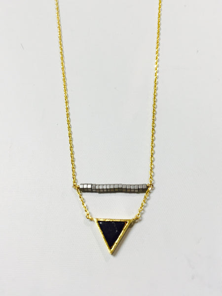 Blk triangle grey bar Nk