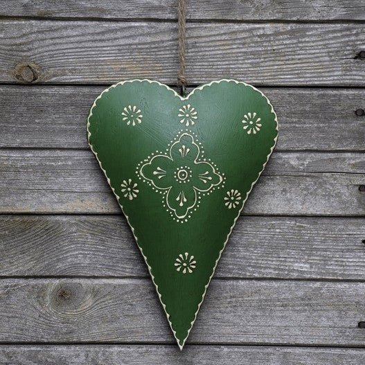Large Green Clover Rustic Metal Heart