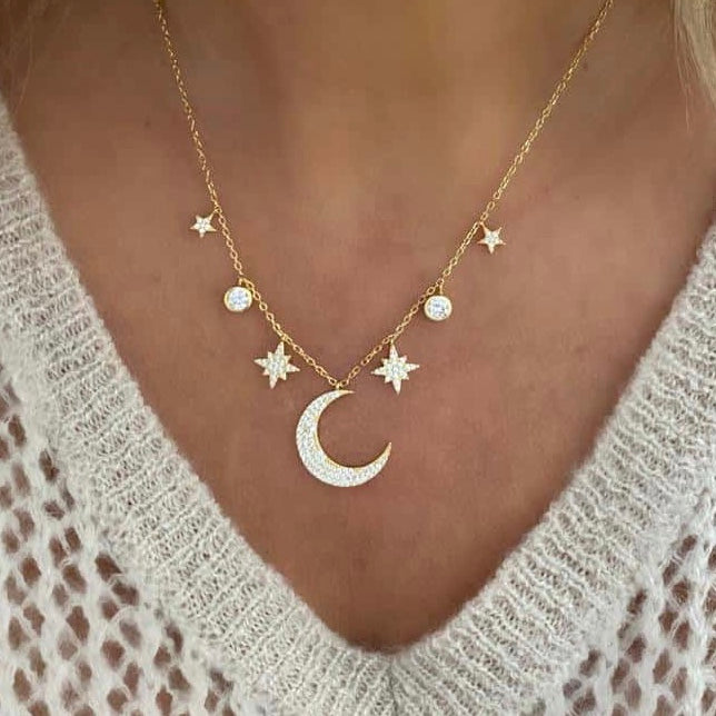 Wendy Moon Necklace Gold