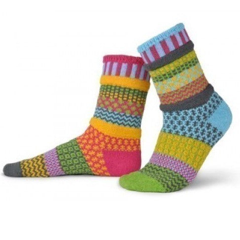 Mismatched Knitted Socks Freesia
