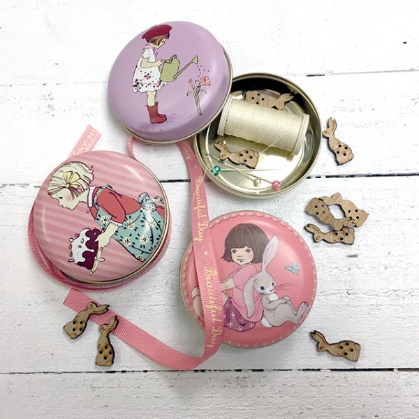 Belle & Boo Always Together Pocket Tin Set