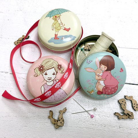Belle & Boo Birthday Hugs Pocket Tin Set