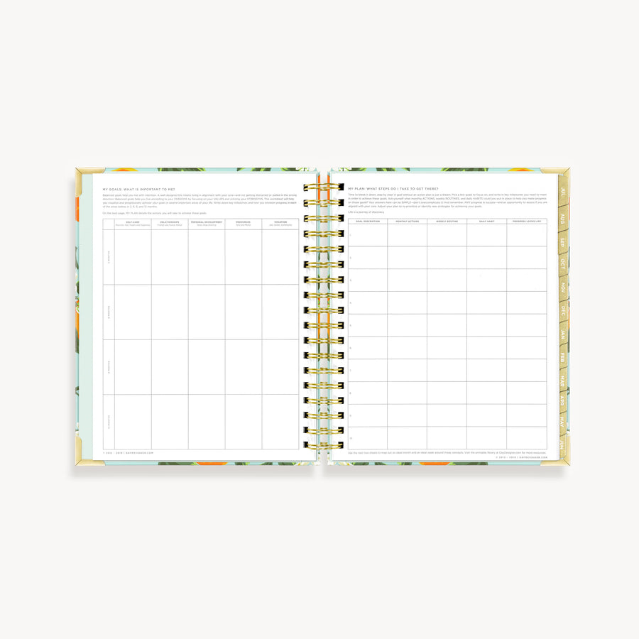 Academic Year 2020-2021 Daily Planner: Orange Blossom