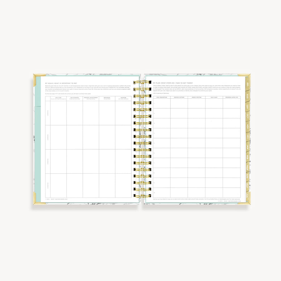 Academic Year 2020-2021 Daily Planner: White Marble