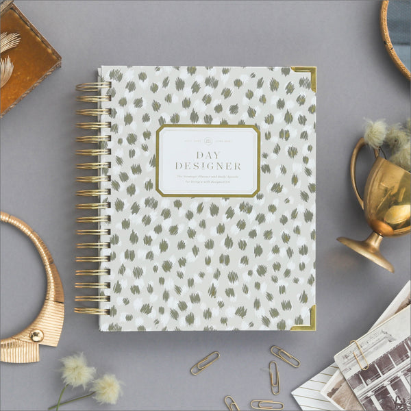 Academic Year 2020-2021 Daily Planner: Chic