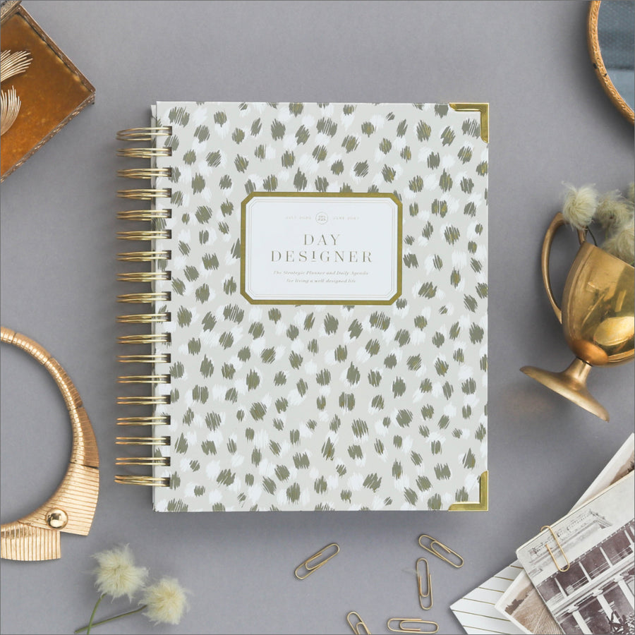 Academic Year 2020-2021 Mini Daily Planner: Chic