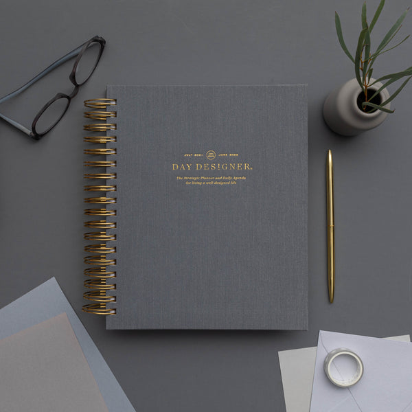 2021-2022 Daily Planner: Charcoal Bookcloth