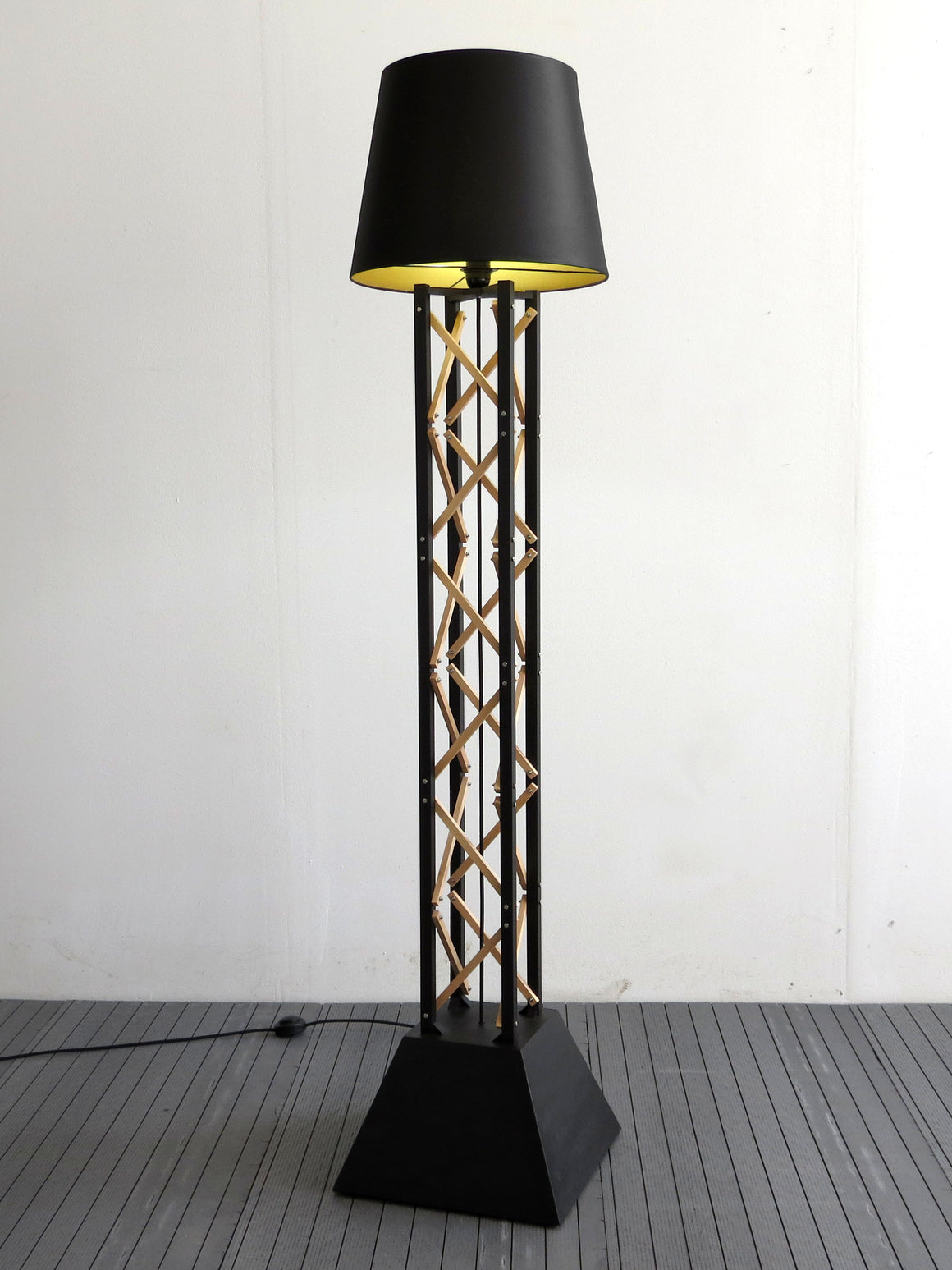 KULA-2 tower floor lamp
